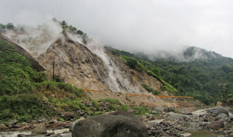 High heat-flow from fractured geothermal reservoir rocks in the Philippines