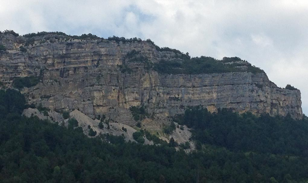 Fractured carbonates near Nantua, French Jura.